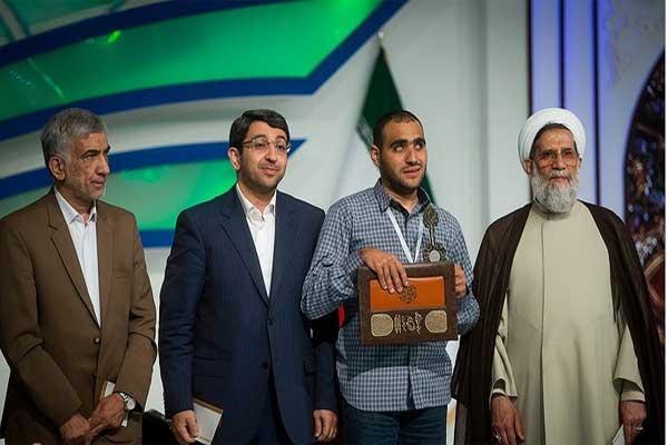 حاج احمد دباغ؛نابغه قرآنی جهان اسلام مورد تقدیر قرار گرفت