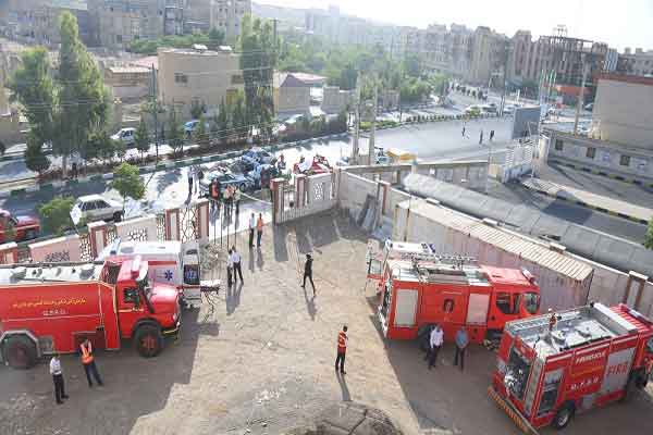 برگزاری مانور اطفاء حریق و امداد و نجات در منطقه 8 قم