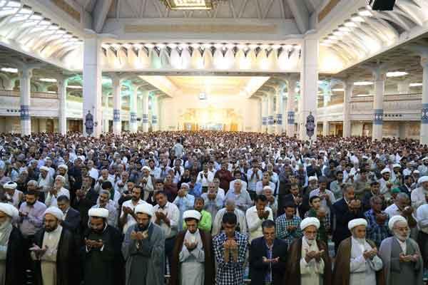 نماز عید فطر در قم برگزار شد