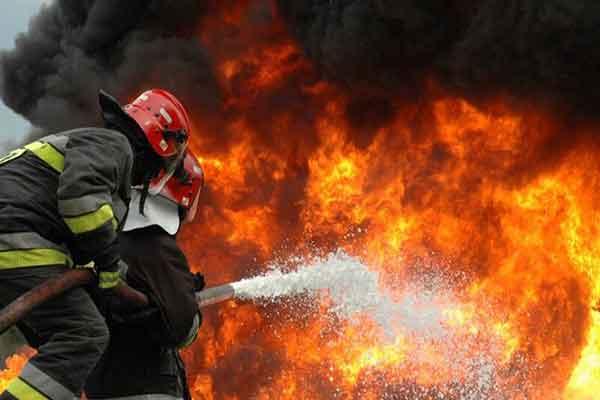 آتشسوزی در شهرک صنعتی شکوهیه قم ۱۷ مصدوم بر جای گذاشت