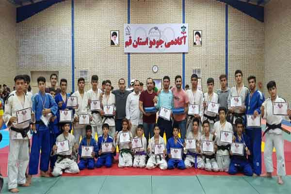 قهرمانی تیم جودو استان قم در مسابقات چند جانبه ی دهه ی کرامت و  جام صلح و دوستی