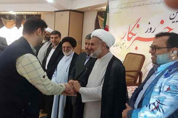 سپاه از خبرنگاران و عکاسان فعال استان قم تجلیل کرد