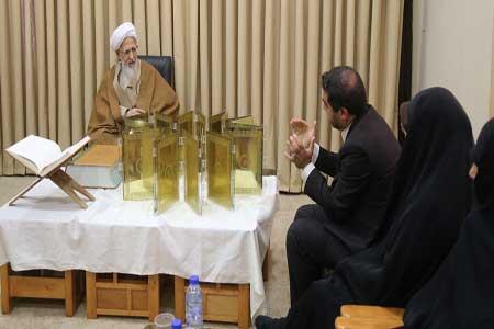 رونمایی از 3 قرآن نفیس کتابت شده توسط هنرمند ایرانی در قم
