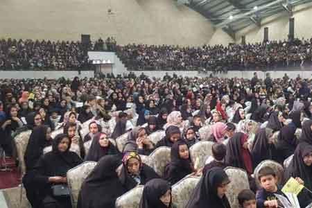 جشن ۱۰ هزار نفری یاوران امالمؤمنین حضرت خدیجه کبری(س) در قم برگزار شد