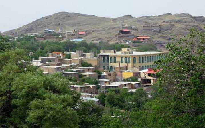 اجرای طرح هادی در روستای فردو از جیب مردم