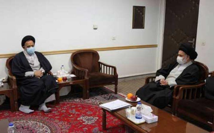 وزیر اطلاعات با رییس جامعه مدرسین در قم دیدار کرد