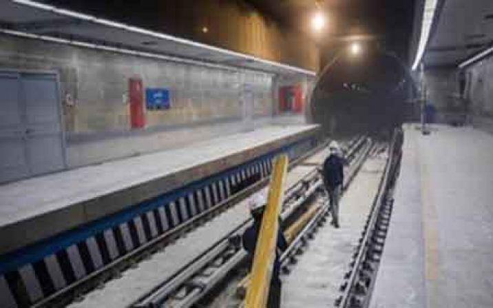 نخستین کراس آور ساخت داخل کشور در مترو قم نصب شد