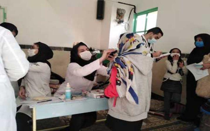 بهرهمندی 100 نفر از مردم روستای کوه سفید از کاروان سلامت هلال احمر قم